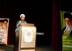 نظام اسلامی با خوی استکباری آمریکا نمی تواند بر سر یک سفره بنشیند