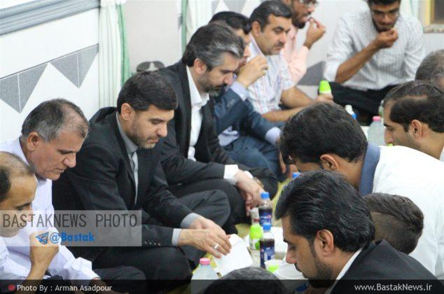 گزارش تصویری از ضیافت افطاری همدلی با حضور شریفی نماینده مردم غرب هرمزگان در گچویه