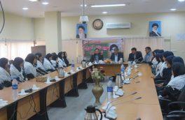 نشست دانش آموزان نخبه ی بسیجی با فرماندار شهرستان بستک