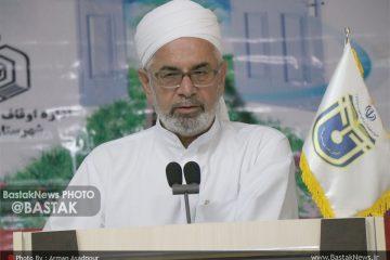 زکات و وقف دو قانون ارزشمند اسلام است و تمسک و عمل به آنها جامعه انسانی را عزت می بخشد