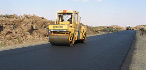 کاهش ١٠ کیلومتری مسیر در صورت اجرای کامل پروژه محور لار به بستک